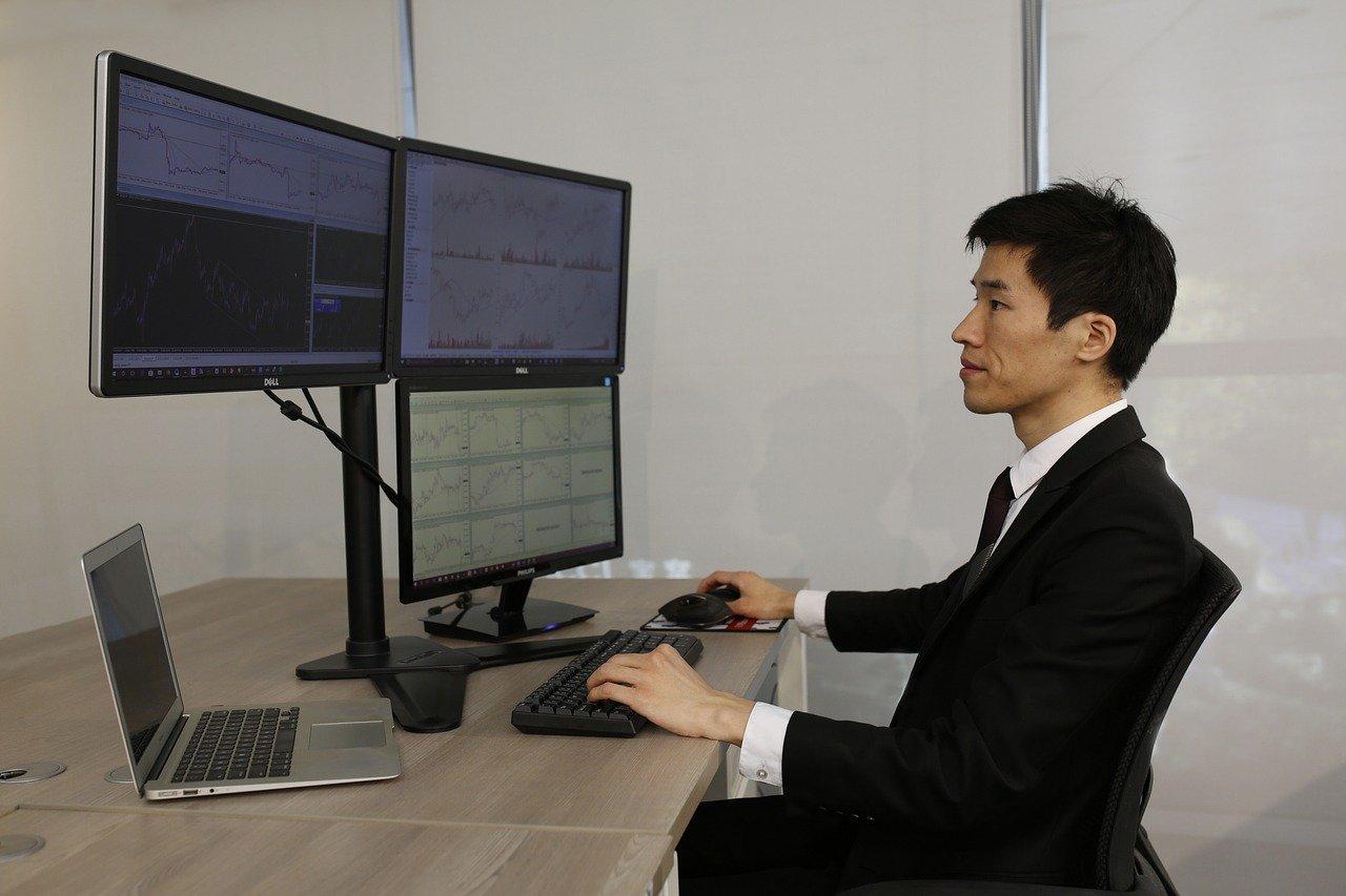 Trader e broker online: sono gli anni del boom. Come lo spiegano gli esperti?