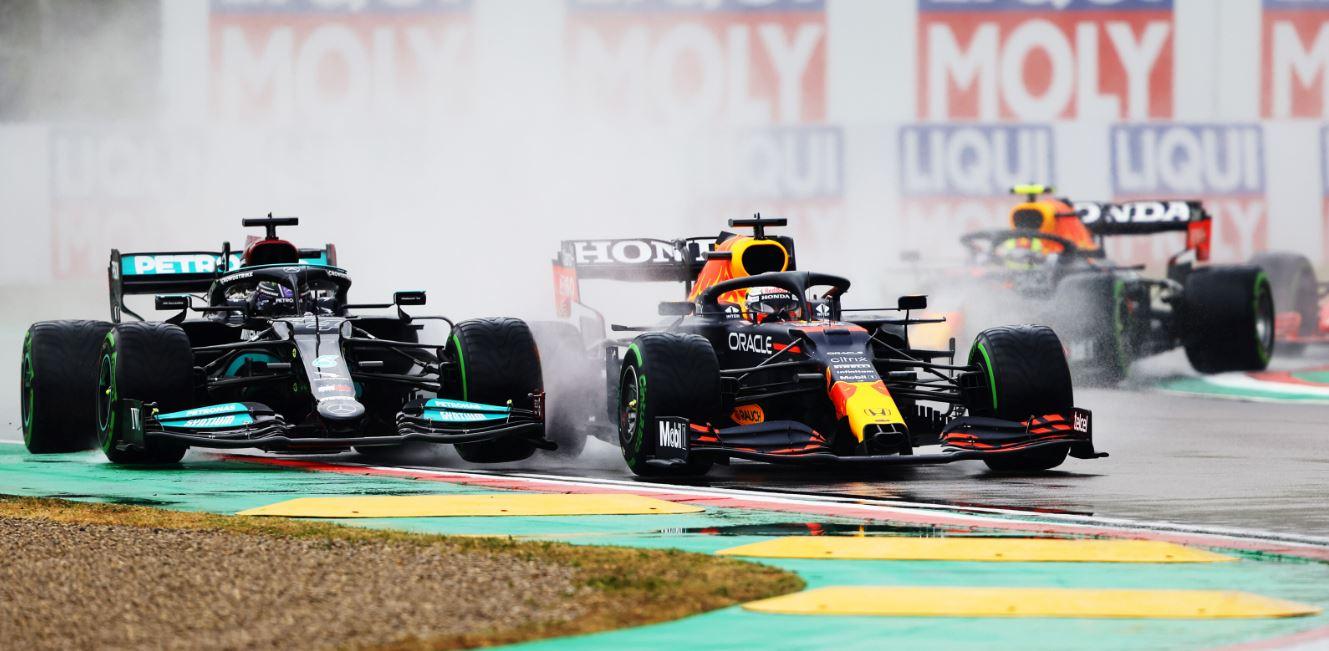 Mondiale F1: tra Verstappen e Hamilton è tempesta.